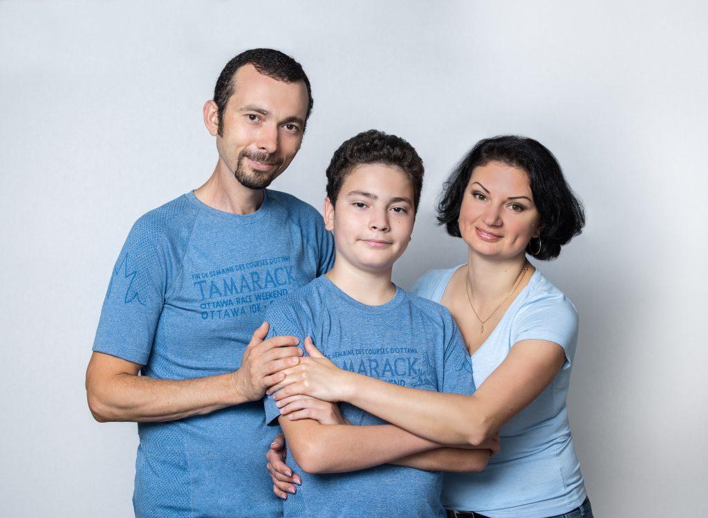 Oleg Pacaleu, alături de fiul Ștefănel și soția Maia